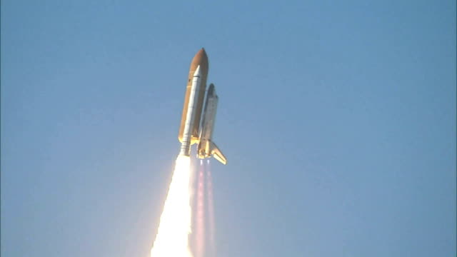 space shuttle discovery launches on mission sts-124 to deliver the main segment of japanese experiment module module to the international space... - space shuttle stock videos & royalty-free footage