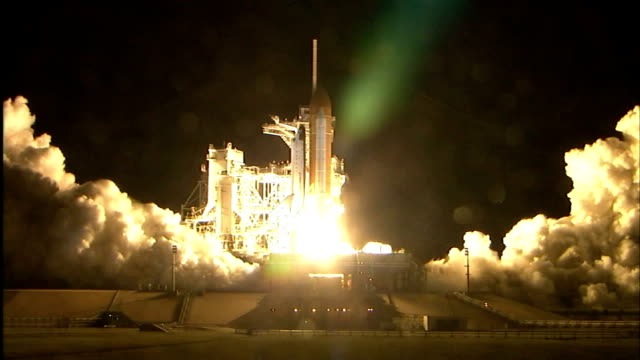 vídeos y material grabado en eventos de stock de space shuttle endeavour launches on mission sts123 to the international space station to deliver the first module of the japanese laboratory japanese... - lanzacohetes