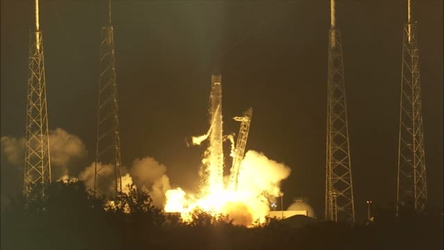 / spacex launch of the first privately privately held company to send a cargo payload carried on the dragon spacecraft to the international space... - dragon stock videos & royalty-free footage