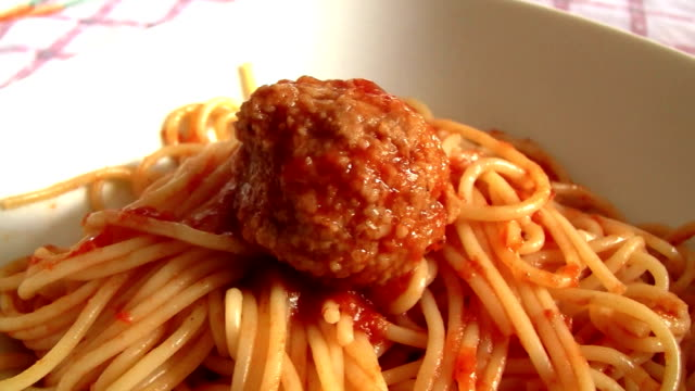 spaghetti with meatballs - meatballs stock videos & royalty-free footage
