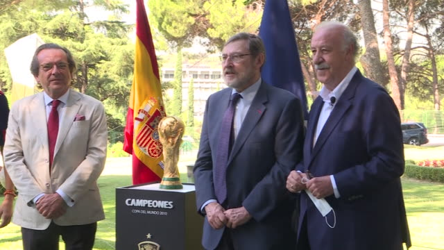 spain ex coach vicente del bosque and the president of the higher sports council, irene lozano preside over the commemoration of the 10th anniversary... - fifa world cup 2010 stock videos & royalty-free footage