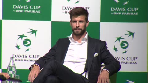 spain's defender gerard pique attends the presentation of the city of madrid as hosts of the new davis cup for the next two years, on october 17 - davis cup stock-videos und b-roll-filmmaterial