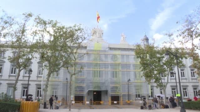 spain's supreme court has sentenced nine catalan leaders to prison terms of between nine and 13 years for sedition for their role in a failed 2017... - giustizia video stock e b–roll