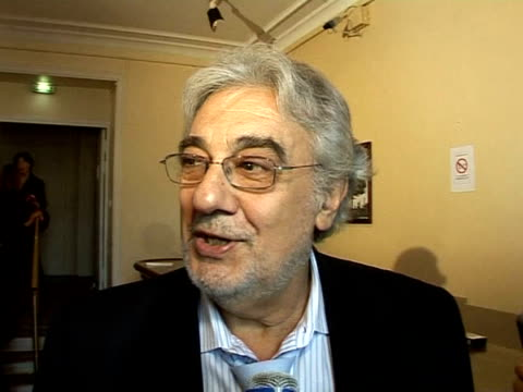 spanish opera singer placido domingo will appear in paris after an eightyear absence in the lead role in cyrano de bergerac by franco alfano the... - cyrano de bergerac stock-videos und b-roll-filmmaterial