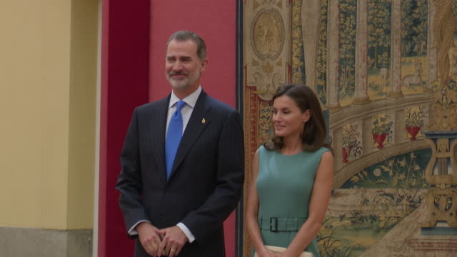 stockvideo's en b-roll-footage met spanish royals attend a meeting with members of 'princesa de asturias' foundation at el pardo royal palace - pardo