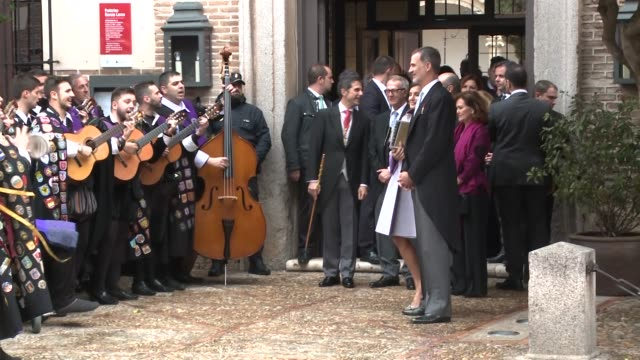 stockvideo's en b-roll-footage met spanish royals attend 'miguel de cervantes' literature awards - literature