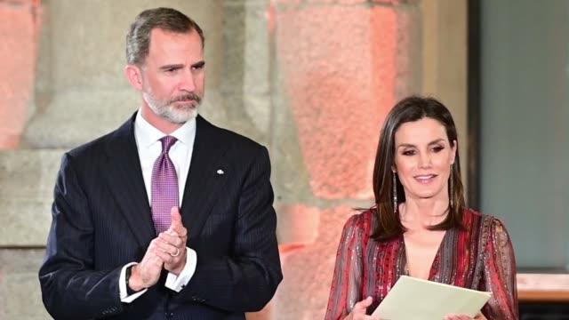 vídeos y material grabado en eventos de stock de spanish royals attend national culture awards on march 19 2019 in madrid spain - letizia