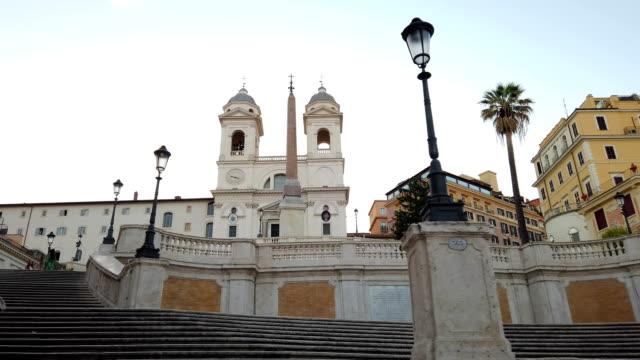 午前中のスペイン階段, ローマ - steps and staircases点の映像素材/bロール