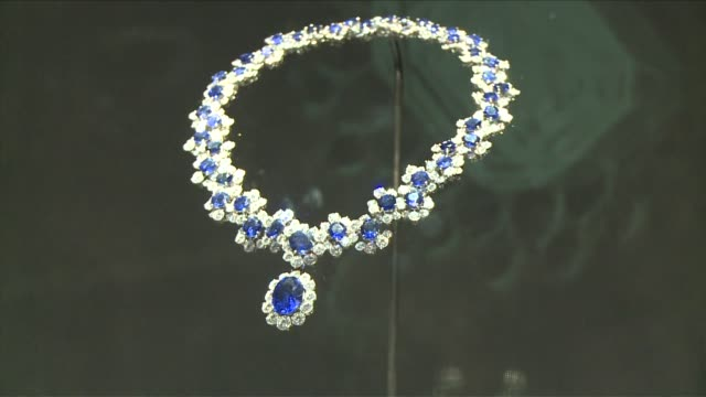 sparkling bold and decadent ð bulgariõs distinctive jewels have been loved and worn by the worldõs most glamorous film stars from grace kelly to... - grace elizabeth stock videos & royalty-free footage