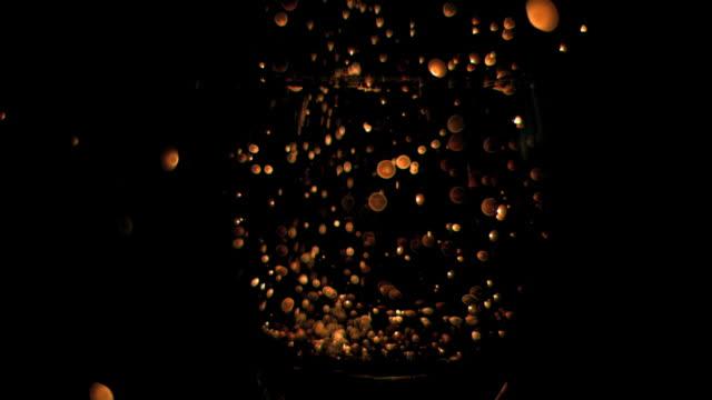 vídeos y material grabado en eventos de stock de sparks in super slow motion - sparks