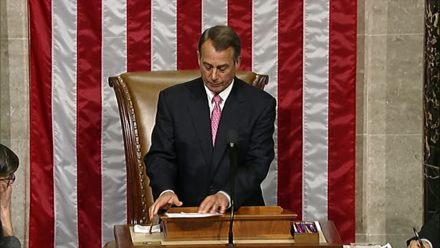 stockvideo's en b-roll-footage met speaker of the house john boehner announces that the budget control act of 2011 has passed the house of representatives - united states and (politics or government)