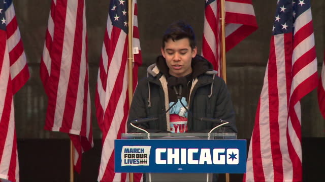 wgn speakers at 'march for our lives' rally before march in chicago on march 24 2018 - march for our lives video stock e b–roll