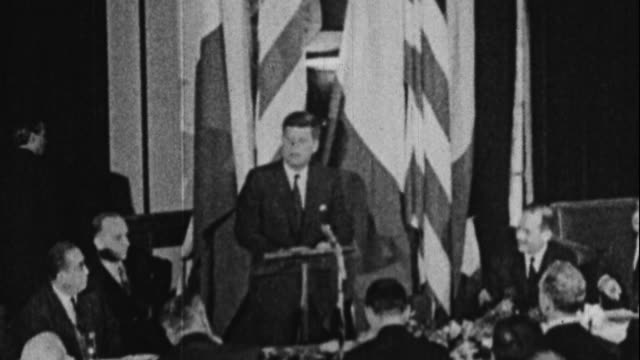 vídeos de stock e filmes b-roll de jfk speaks in paris says he is the man who accompanied jackie - 1961