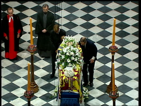funeral of princess diana 1100 1200 ls very reverend wesley carr dean of westminster standing in front of altar prince charles places wreath under... - funeral stock videos & royalty-free footage