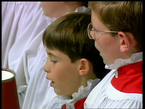 funeral of princess diana 1600 1700 hymn `make me a channel of your peace' prayers by dr george carey archbishop of canterbury includes mentions of... - カンタベリー大主教点の映像素材/bロール