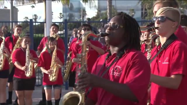 ktla special olympics parade in redondo beach - チアリーダー点の映像素材/bロール