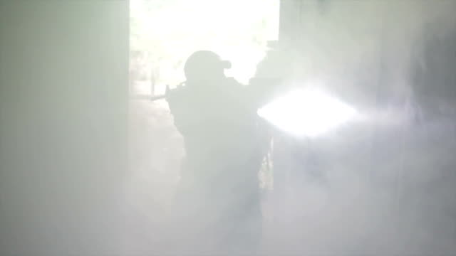 vídeos y material grabado en eventos de stock de especiales de operaciones - campamento de instrucción militar