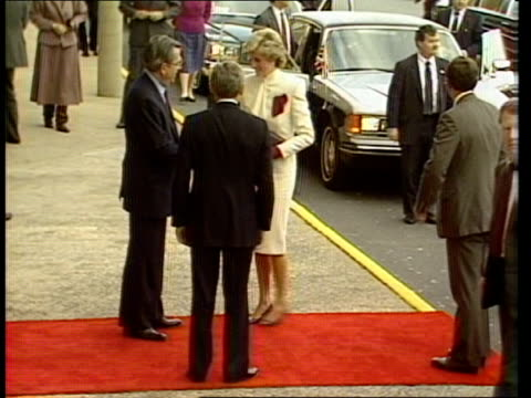 prince and princess of wales in washington 111185 usa virginia ext motorcade along past mass crowds security men walking rolls with charles diana... - usa stock videos & royalty-free footage