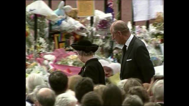 princess diana's funeral royals arrive in london 1417 1525 england london itn hspecial recorded earlier ext queen philip chatting crowd outside... - funeral stock videos & royalty-free footage