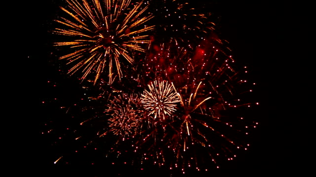 Spectacular Fireworks with Cheering Crowd Audio