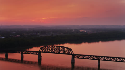 spectacular sunset on the ohio river between kentucky and indiana - indiana stock videos & royalty-free footage