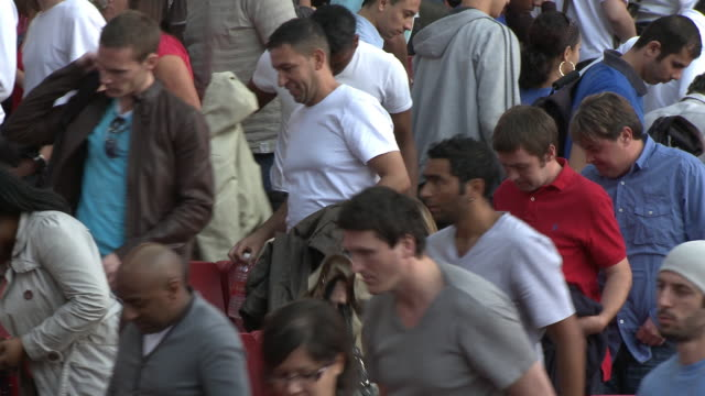 ms spectators getting up and leaving stadium, london, uk - leaving stock videos & royalty-free footage