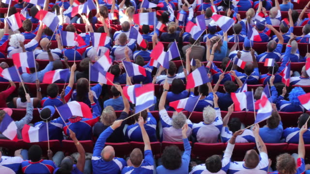 vidéos et rushes de ws ha spectators in bleachers waving french flags, london, uk - support