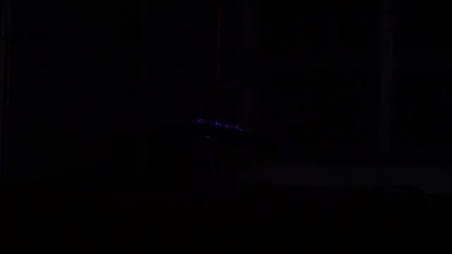 spektrum der blauen und violetten farben von maschinell - radioaktive strahlung stock-videos und b-roll-filmmaterial
