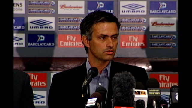 speculation rises on the possible return of jose mourinho as chelsea manager t20090710 / tx int jose mourinho press conference sot i think i'm a... - ケンジントン・アンド・チェルシー区点の映像素材/bロール
