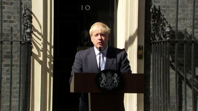 "speech boris johnson, gives first speech as prime minister , says ""this government will work flat out to give this country the leadership it deserves... - premierminister stock-videos und b-roll-filmmaterial"