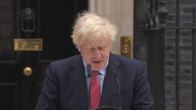 """speech boris johnson pm, after returning to work following coronavirus recovery, about passing through the peak """"i in no way minimise the challenges... - boris johnson stock videos & royalty-free footage"""