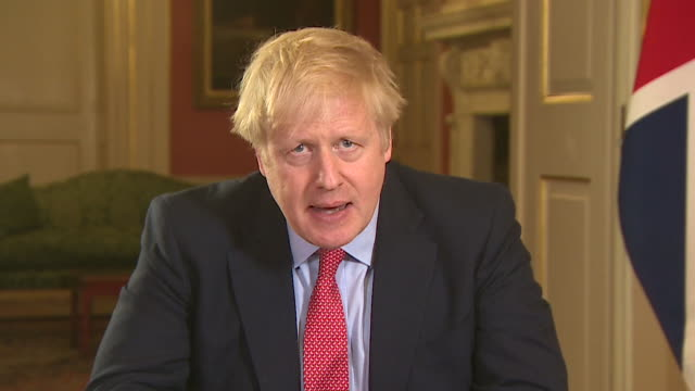 speech boris johnson pm announcement putting uk into lockdown to halt coronavirus we will rise to the challenge i urge you to stay at home protect... - inquadratura fissa video stock e b–roll
