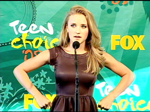 emily osment at the 2009 teen choice awards - press room at universal city ca. - universal city stock videos & royalty-free footage