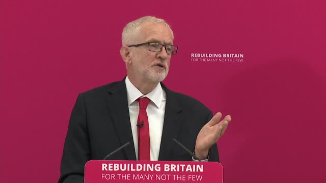 stockvideo's en b-roll-footage met speech jeremy corbyn labour leader at rally in corby appeals to mp's about stopping brexit if you are serious about stopping a no deal brexit then... - britse labor partij