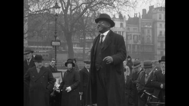 stockvideo's en b-roll-footage met 1936 - speeches and demonstrations in hyde park - 1936