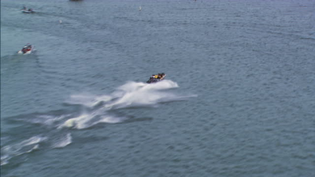 speed-boat - schnellboot stock-videos und b-roll-filmmaterial