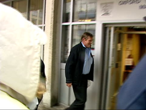 Builder in court for digging up ITN ENGLAND Oxfordshire Oxford Magistrates Court Builder Ian Beesley accused of digging up speed hump arriving at...