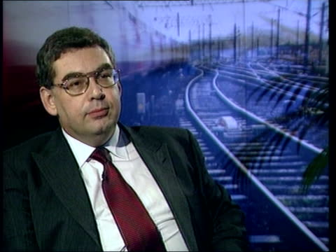 speed restrictions eased/rail task force meets itn gir int steve marshall interview sot satisfied we can raise speed limits slowly northampton cms... - northampton stock-videos und b-roll-filmmaterial