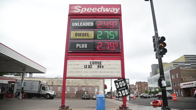speedway gas station in chicago illinois us on monday august 3 2020 - western script stock videos & royalty-free footage
