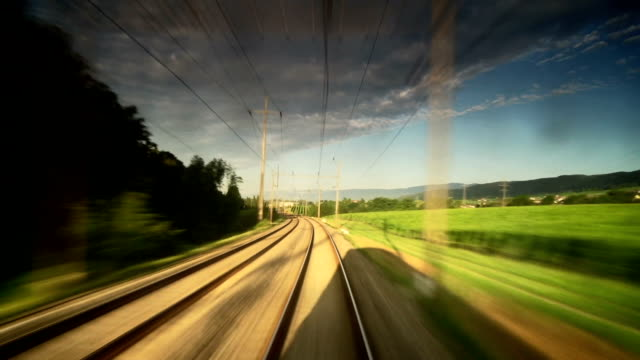 speedy railway longitudinal zeitraffer - bahngleis stock-videos und b-roll-filmmaterial