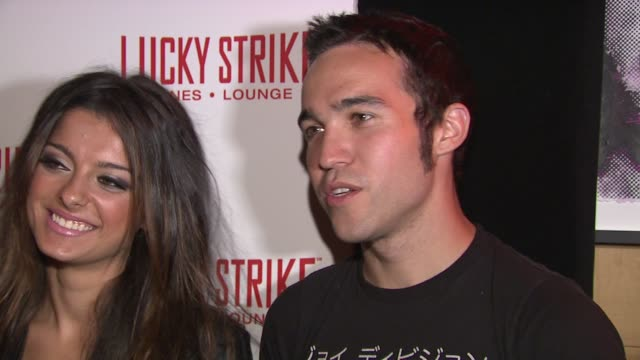 vídeos de stock, filmes e b-roll de spencer patterson, bebe rexha and pete wentz of black cards band at the puma x lucky strike bowling shoe launch at new york ny. - sapato de boliche