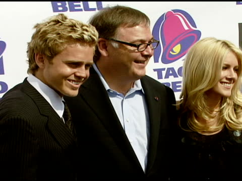 spencer pratt taco bell president greg creed and heidi montag at the taco bell provides 'reality check' on global hunger issue with stars of mtv's... - mtv stock videos & royalty-free footage