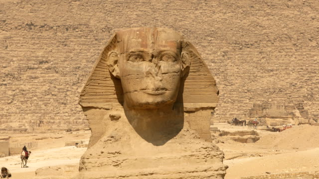 Sphinx and great pyramids at Giza, Cairo, Egypt