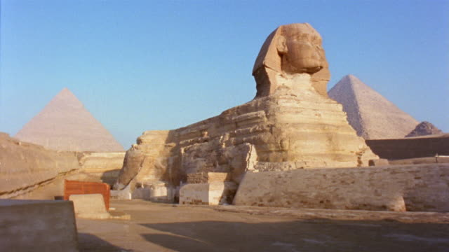WS PAN Sphinx with Pyramid of Khafre and Great Pyramid in background/ Giza, Egypt