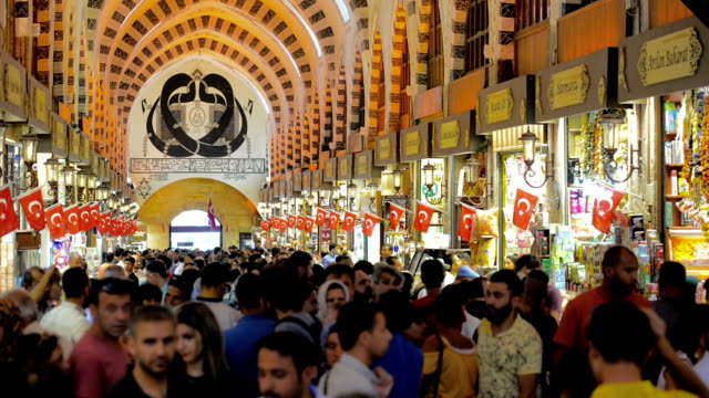 spice bazaar (egyptian bazaar) in istanbul - spice bazaar stock videos & royalty-free footage