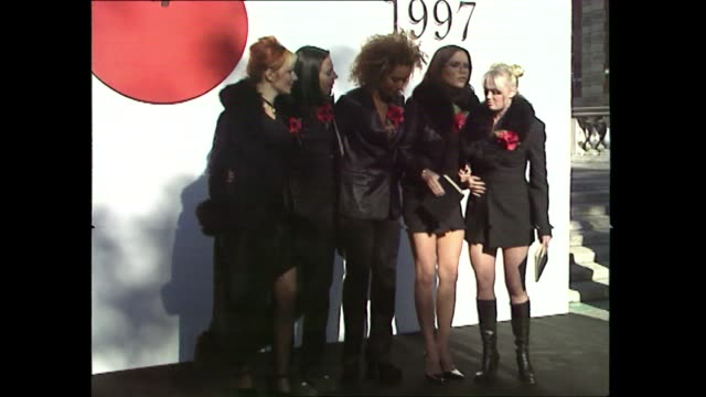 vídeos de stock e filmes b-roll de spice girls at poppy appeal event in london 1997 - spice girls