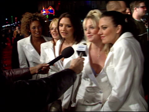 vídeos de stock e filmes b-roll de spice girls at the 'spice world' premiere at grauman's chinese theatre in hollywood california on january 22 1998 - spice girls