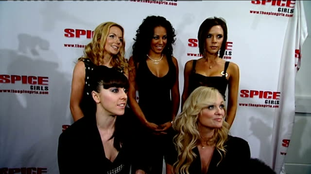 vídeos de stock e filmes b-roll de interview england london greenwich the o2 int spice girls geri halliwell melanie brown victoria beckham melanie chisholm and emma bunton interviewed... - spice girls