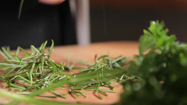 spices on a chopping board - coriander stock videos & royalty-free footage