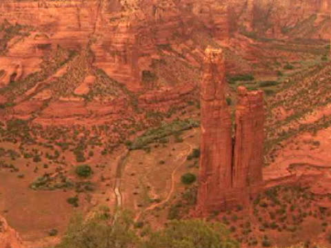 ha, ms, zi, spider rock, canyon del muerto, canyon de chelly national monument, arizona, usa - canyon de chelly stock videos & royalty-free footage